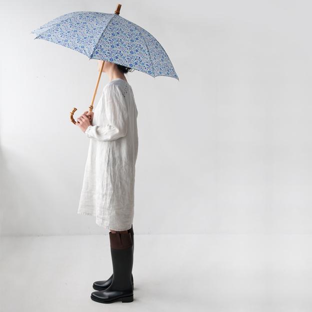 HARTFORDのワンピースとリバティの長傘
