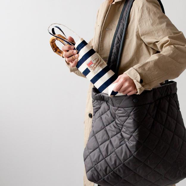 LAVENHAMの大きいバッグなら折り畳み傘も収納可能
