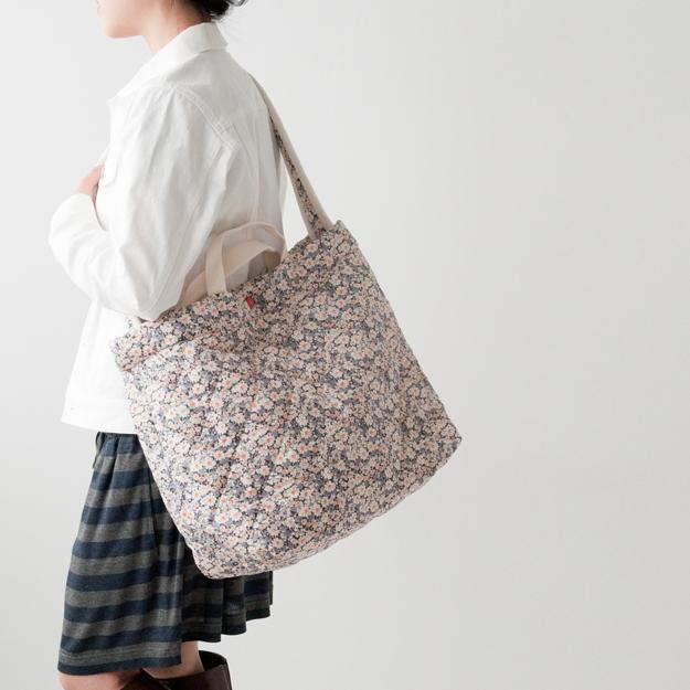 LAVENHAMリバティバッグとTRADITIONALのホワイトデニムジャケット
