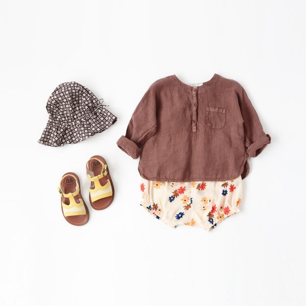 ブラウンのリネンシャツ