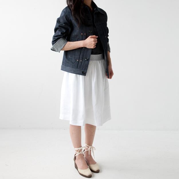 TYAMAIジャケットとBEAUMOTスカート